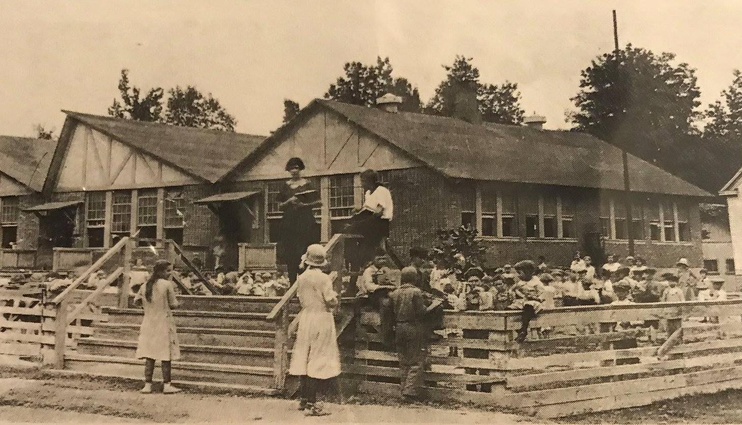 Bauxite Arkansas schoolchildren in the 1920s had dental fluorosis