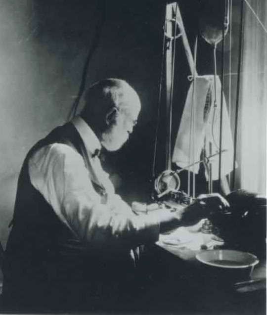 Greene Vardiman Black, early 20th-century dentist and scientist working in his lab